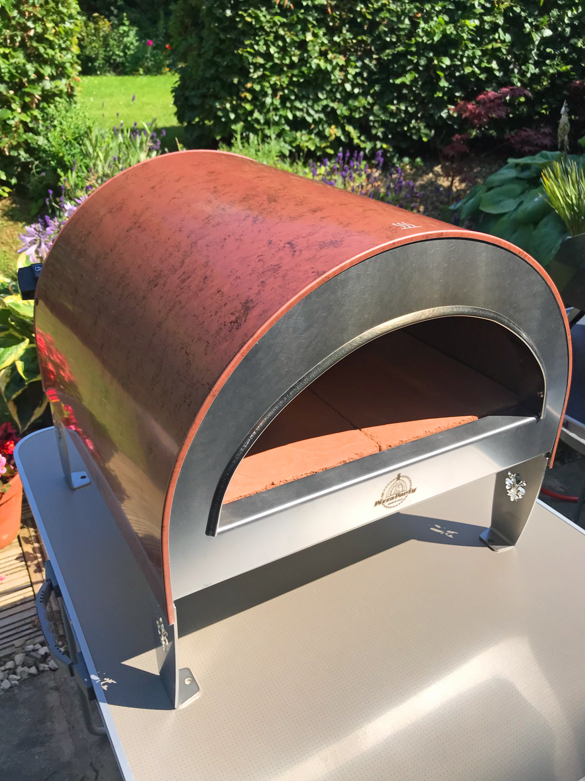Cooking Pepperoni Pizza in the Pizza Party Ardore Pizza Oven