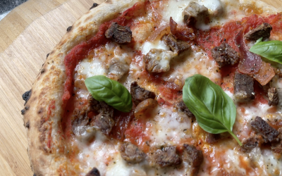 Cooking a Crusty Steak Pizza in the Ooni Fyra 12 Pizza Oven