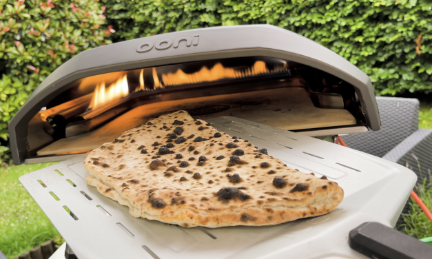 Calzone Cooked in 75 Seconds using the Ooni Koda 16 Pizza Oven